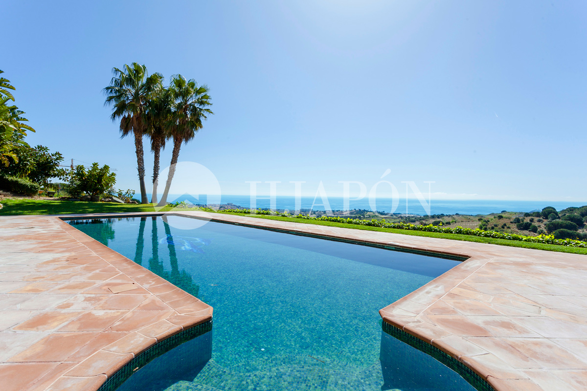 Pool with sea views Luxury villa for sale in Alella