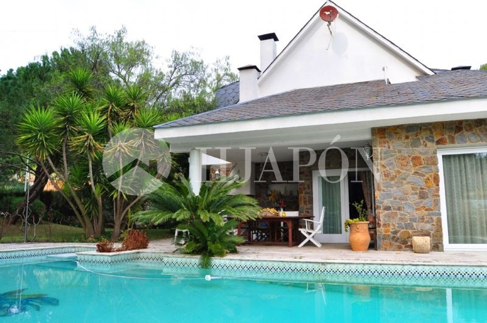 Casa con piscina y gran jard n llano cerca de barcelona - Casa jardin badalona ...