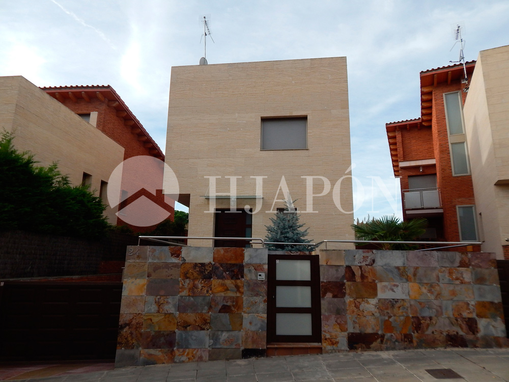 Casa de dise o para alquilar en alella barcelona espa a for Apartamentos para alquilar en sevilla