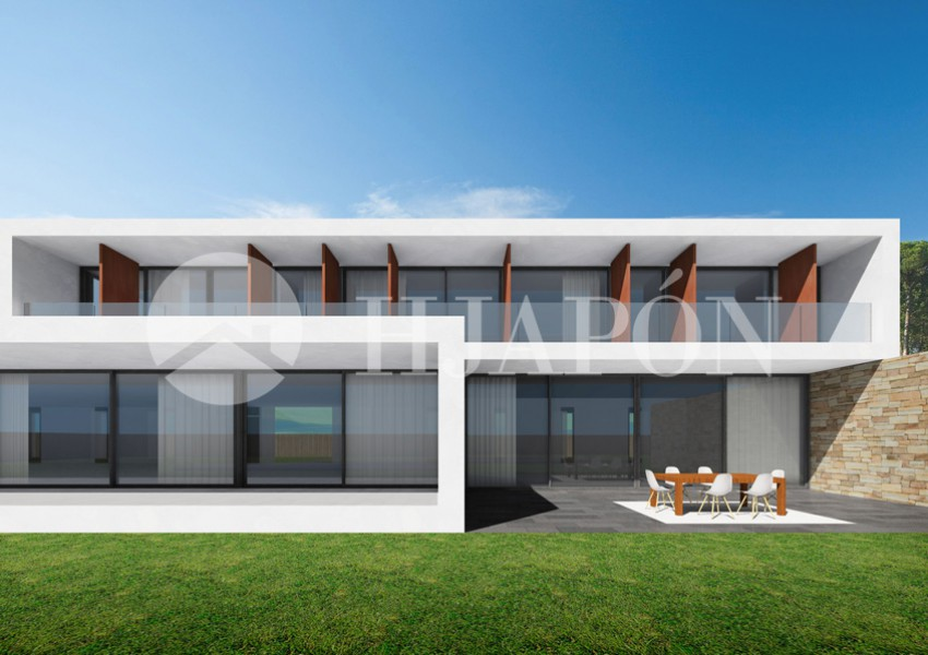 Property in Alella with 4 suites and terrace