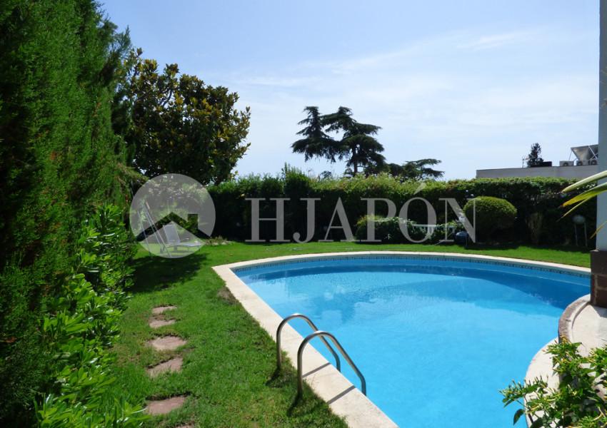 Casa de lujo en venta en masnou cerca del mar espa a hjap n for Piscina masnou